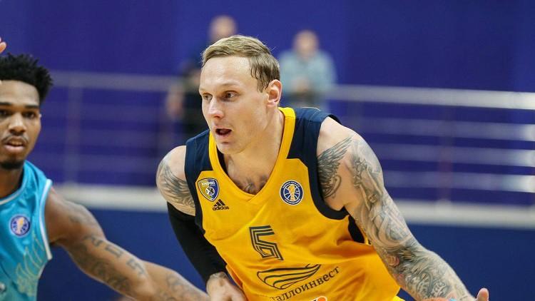 Šmits lido Belgradā, Timmam trīs tālmetieni ceturtdaļā, latviešiem tikai uzvaras