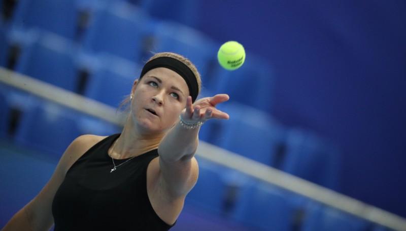 """Muhova neļauj galvenajai favorītei Keninai iekļūt """"WTA Elite Trophy"""" pusfinālā"""