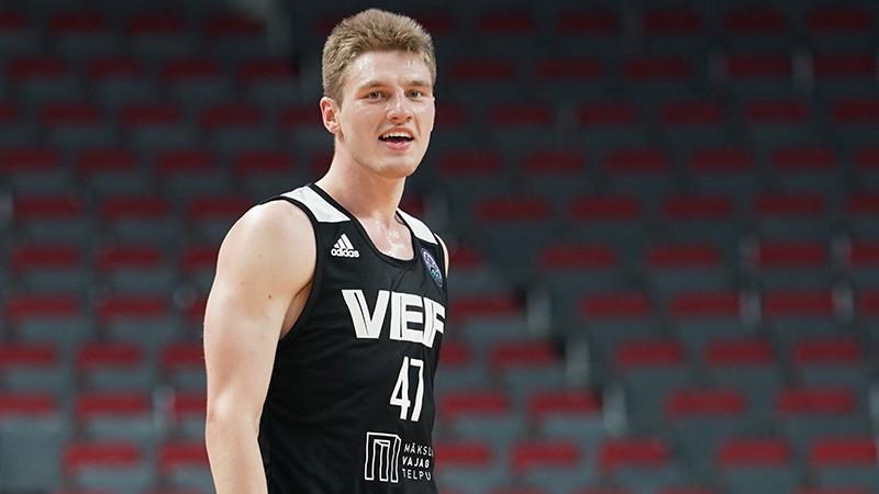 """Artūrs Kurucs varētu spēlēt """"Baskonia"""", ja ACB sezona tiks atsākta"""