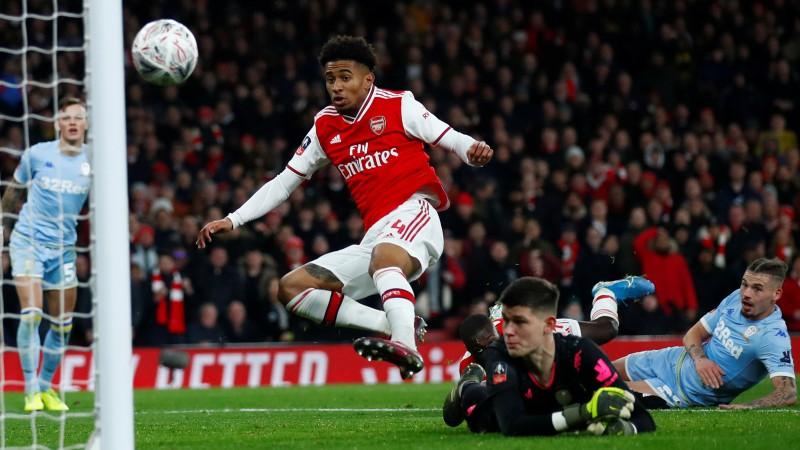 """""""Arsenal"""" ar spēcīgu otro puslaiku pārvar Anglijas kausa trešo kārtu"""