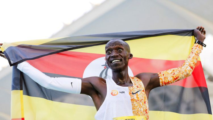 Čeptegejs par gandrīz pusminūti labo pasaules rekordu 5km skrējienā