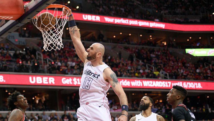 Karjeru beidz vairāk nekā 800 NBA spēles aizvadījušais polis Gortats