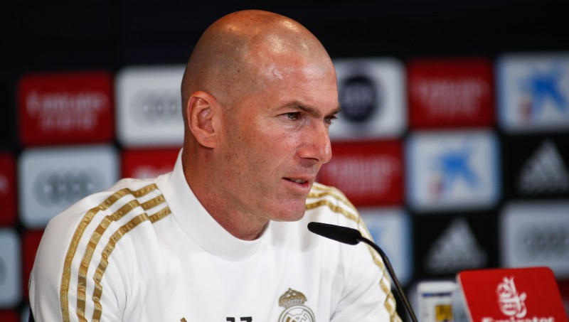 """Madrides """"Real"""" Zidāna 200. spēlē pie stūres dzīsies pakaļ Barselonai"""
