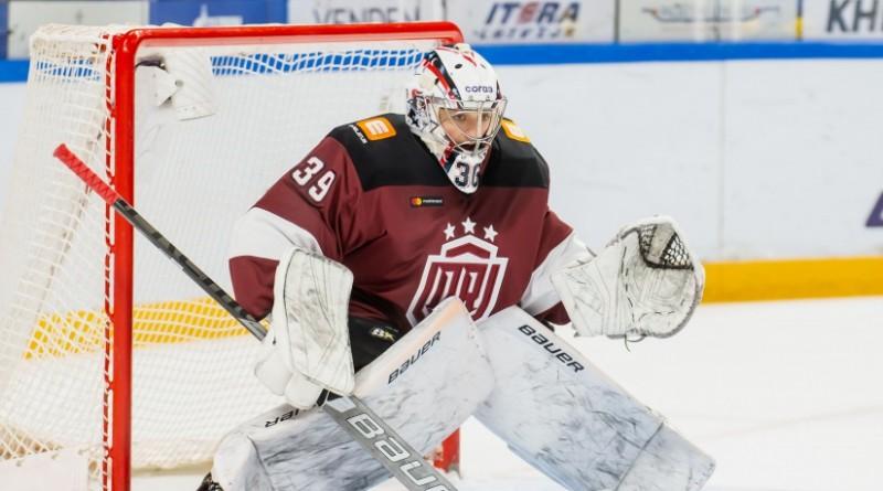 """Rīgas """"Dinamo"""" vārtsargu krīze turpinās – Voris nespēlēs vairākas nedēļas"""