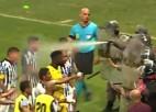 Video: Policijas specvienība iesaistās iekarsušo spēlētāju savaldīšanā