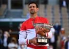 """Džokovičs atspēlējas pret Cicipasu un otro reizi triumfē """"French Open"""""""