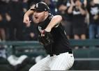 """""""White Sox"""" panāk sērijas ceturto maču, """"Red Sox"""" uzvar 13. iningā"""
