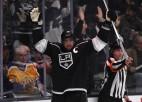 """Par NHL pirmās nedēļas pirmo zvaigzni atzīts """"Kings"""" slovēņu kapteinis Kopitars"""