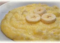 Fotorecepte: Kukurūzas biezputra ar banānu soli pa solim