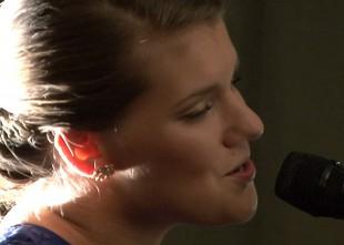 Video: Mērķis- būt labākajai dziedātājai pasaulē. Draugi un kolēģi par Martu Ritovu jaunā albuma prezentācijā