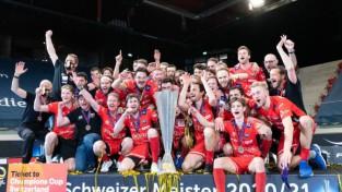 """Floorball Koniz"""" otro reizi triumfē Šveices čempionātā"""