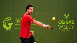 Gulbis katastrofālā spēlē pret ranga trešā simta tenisistu uzvar tikai trīs geimos