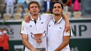 """Erbērs un Maū izglābjas finālā, otro reizi uzvar """"French Open"""" dubultspēļu turnīrā"""