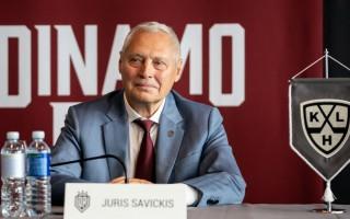 """Savickis: """"Noteikti runāsim ar Indraši, Dārziņu un citiem latviešu hokejistiem"""""""