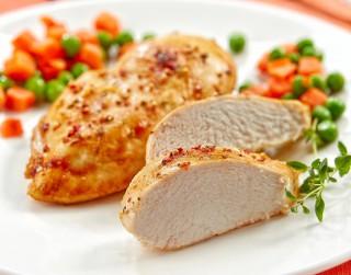 Kā pareizi uzglabāt un pagatavot vistas gaļu karstā laikā