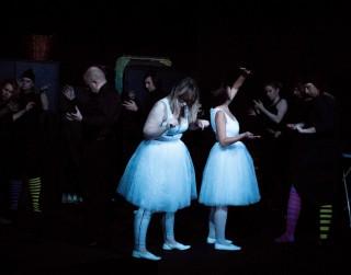 """Lugas """"Skapī"""" pirmizrāde Dramaturgu teātrī"""