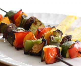 Dārzeņu un augļu grilējumi