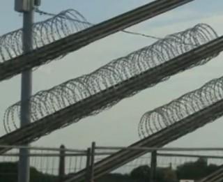 Video: Vanšu tilta dzeloņdrātis