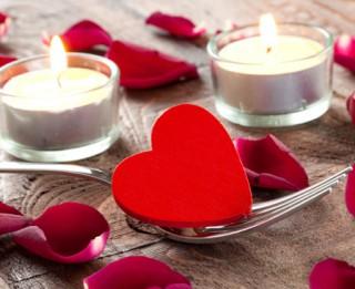 Valentīndienas svētku galds. 6 receptes