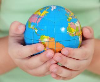 Sensacionāli: pusotru gadu vecs mazulis pilnībā apguvis ģeogrāfiju