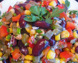 Garšīgi, veselīgi un krāšņi salāti