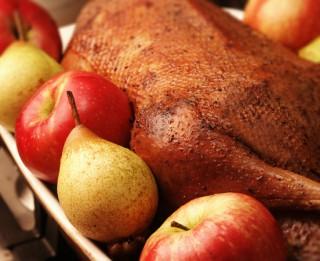 Ko Tu zini par latviešu tradicionālo svētku virtuvi?