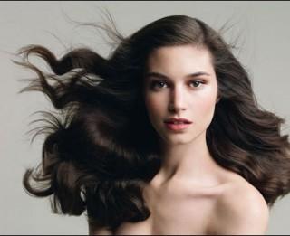 Aukstā laika aktuālā problēma– matu elektrizēšanās. Ko darīt?