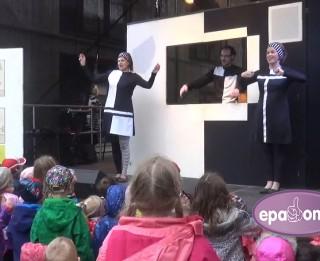 Video: Leļļu teātris ar <i>alfabētu</i> un koncertu teātra pagalmā nosvin jubileju