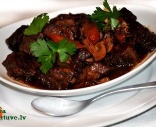 Liellopu gaļa franču gaumē