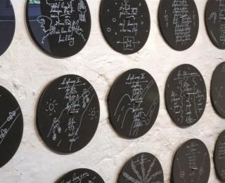 """Ofisa galerijā atklās vācu mākslinieces Augustas Lāras izstādi """"Dzejas rekonstrukcija"""""""