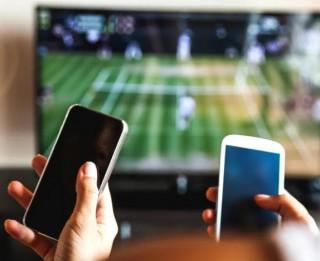 Tiešsaistes video satura skatīšanās Latvijā pirmajā karantīnas mēnesī pieaugusi par 67%