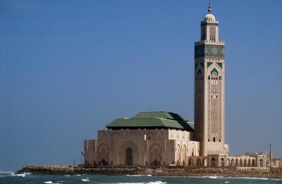 Kalifa nams – burvīgs romāns par pārcelšanos