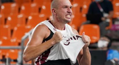 Latvijas 3x3 basketbola izlase iesoļo Tokijas olimpisko spēļu pusfinālā