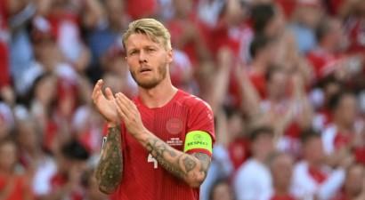 """Dānijas kapteinis Kjērs, Ronaldu, Mesi un citi starp finālistiem uz """"Ballon d'Or"""""""