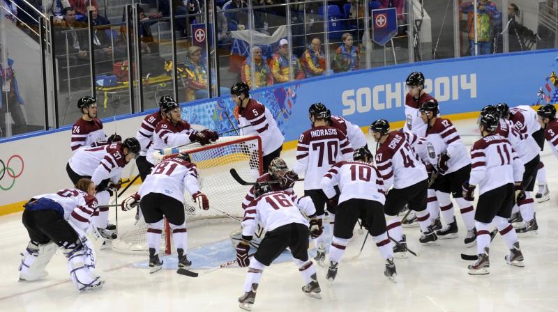 Latvijas hokeja izlase Soču olimpiskajās spēlēs Foto: Romāns Kokšarovs, Sporta Avīze, F64