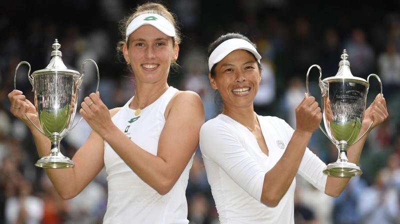 Elīze Mertensa un Sūveja Šjē. Foto: Reuters/Scanpix