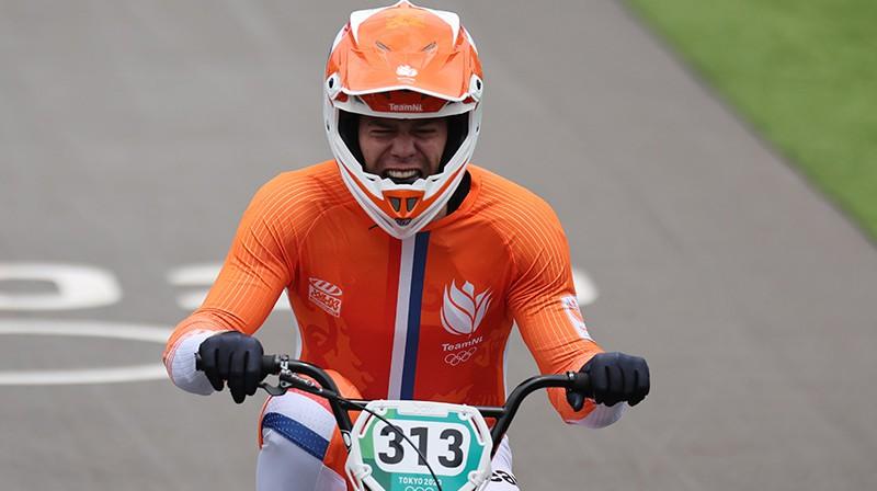 Olimpisko zeltu izcīnīja treniņos kritušais Nīks Kimmans. Foto: Reuters/Scanpix