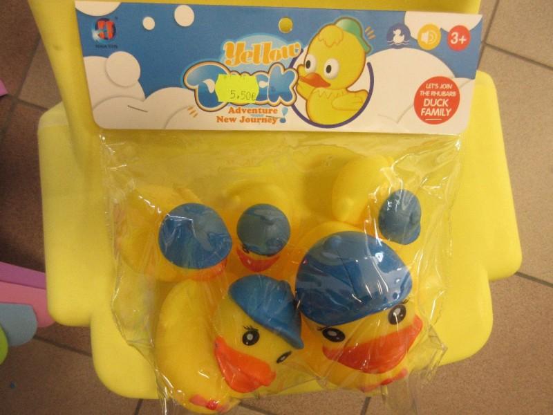 PTAC atsauc bīstamu vannas rotaļlietu – pīļu ģimene Yellow Duck