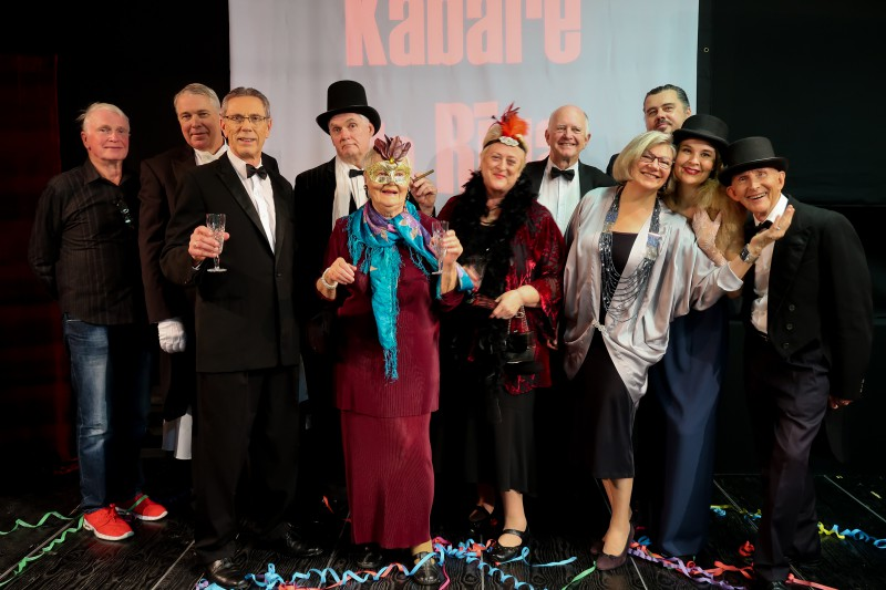 Sidnejas Latviešu teātra uzveduma KABARĒ DE RĪGA noslēguma izrāde VEF Kultūras pilī 18. augustā