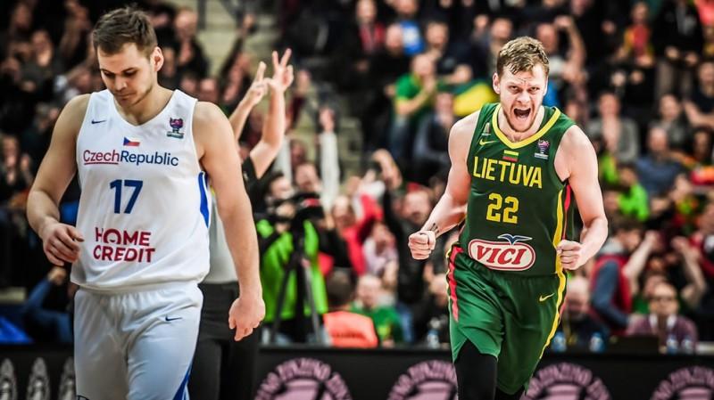 Lietuva izglābjas ar 18:0 izrāvienu, turkiem fiasko Zviedrijā, briti pārsteidz Vāciju