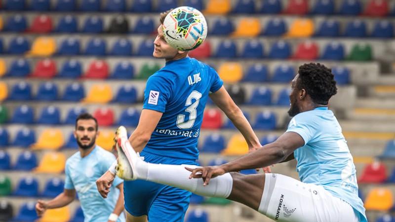 """""""Daugavpils"""" iztur puslaiku, bet salaiž trīs pret čempioni"""