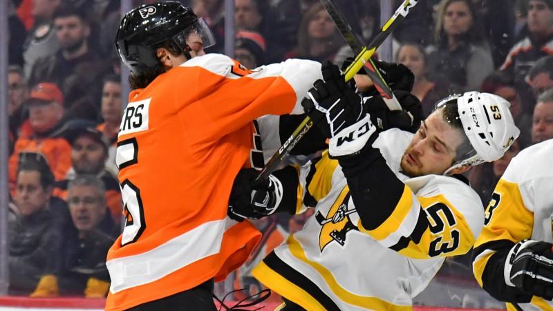 """NHL atgriežas: Bļugers un """"Penguins"""" pārbaudes spēlē samēros spēkus ar """"Flyers"""""""