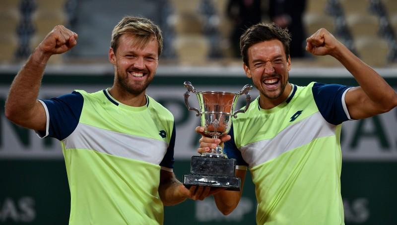 "Kravecs un Mīss aizstāv ""French Open"" titulu"