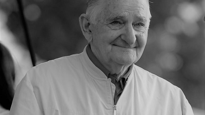 90 gadu vecumā mūžībā devies Harijs Japiņš
