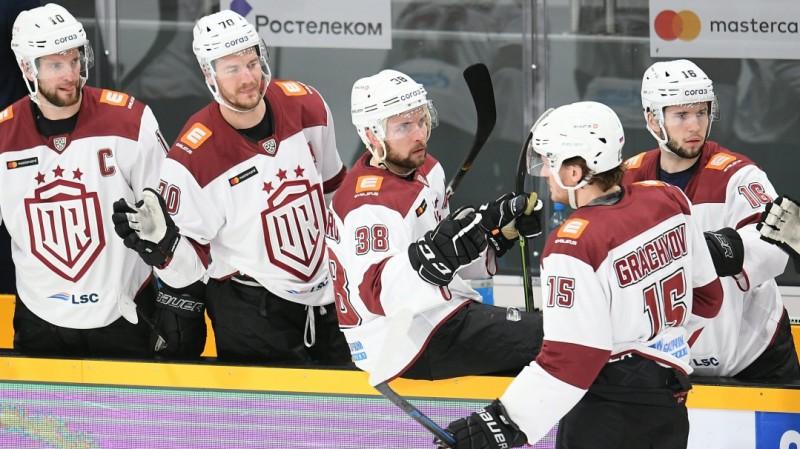 """Rīgas """"Dinamo"""" izmisīgā cīņā par nepalikšanu pēdējā vietā viesosies Ņižņekamskā"""