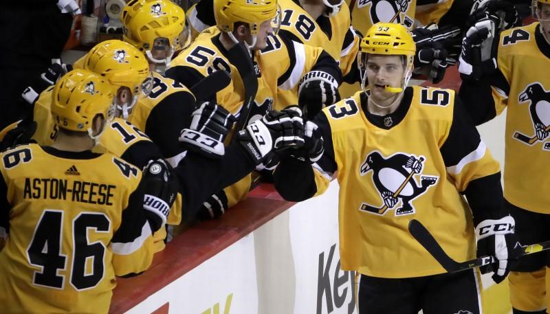 """Stenlija kausa kalendārs: Bļugers un """"Penguins"""" sāks svētdienas vakarā"""