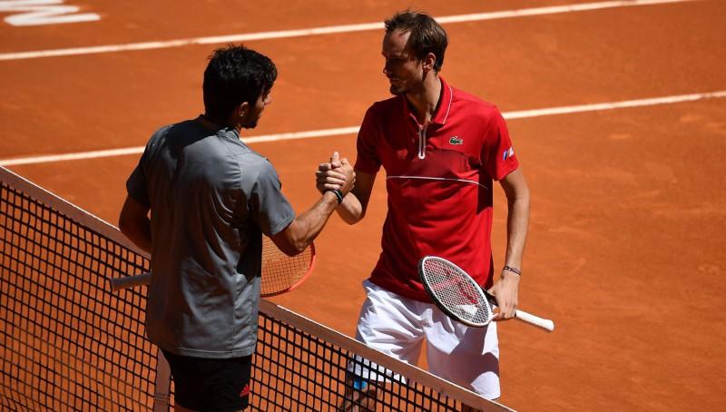 Medvedevs mēģinās revanšēties Garinam par neseno zaudējumu Madridē