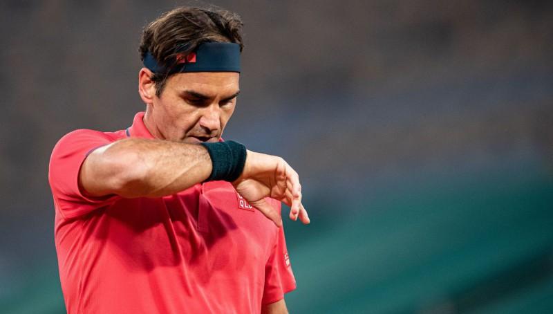 """Federers pēc nogurdinošā ceļa uz astotdaļfinālu neturpinās """"French Open"""""""