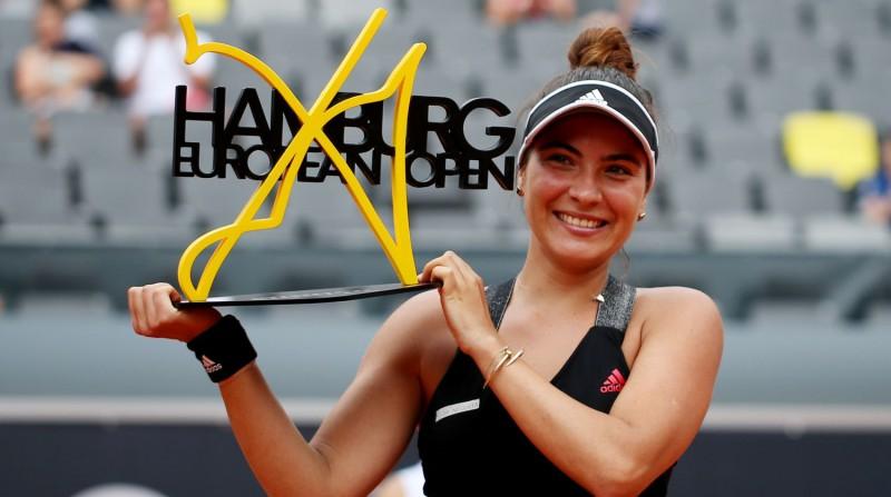 Ruse no kvalifikācijas triumfē Hamburgā, izcīnot pirmo WTA titulu