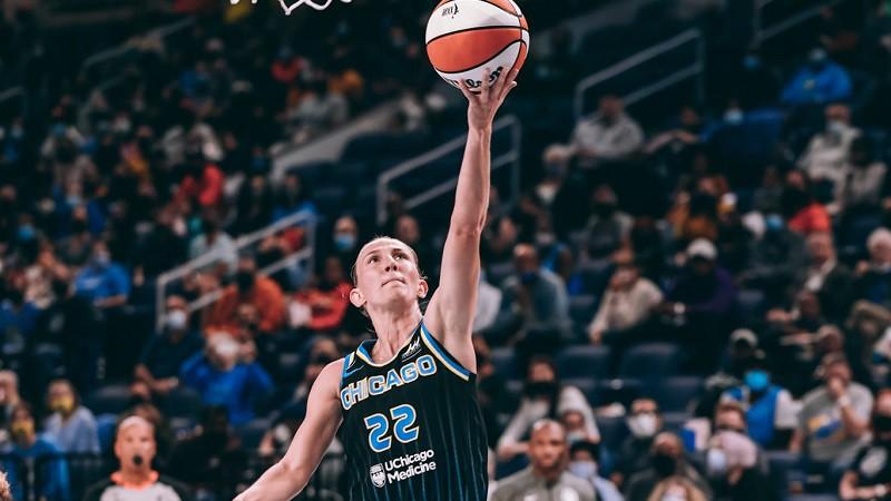 """Vanderslūtai unikāla statistika, """"Sky"""" uzvar WNBA fināla pirmajā spēlē"""